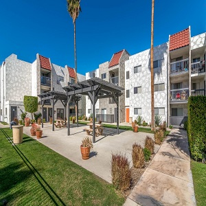 the-modern-cactus-apartments-palm-springs-ca-building