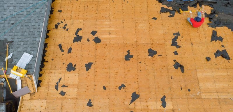 removal-of-old-roof-and-replacement-with-all-new-shingle-being-applied-home-roof-construction-p5dwarg4n0ed785pywgbdio1gdutd6le3ozns5rua2